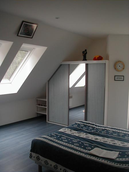 Amenager penderie sous comble bourges tourcoing for Chambre sous combles