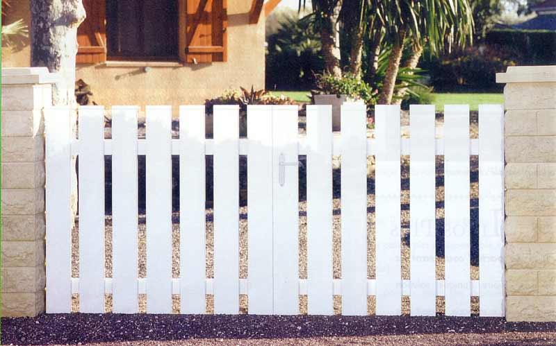 Fenetre alu lille hazebroucq fenetres pvc aluminium bois porte - Comment fabriquer un portail en pvc ...