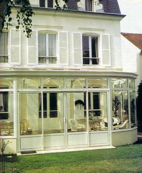 Fenetre alu lille hazebroucq fenetres pvc aluminium for Maison avec bow window